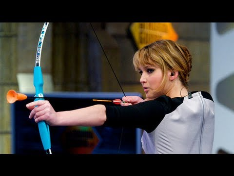 Jennifer Lawrence Shoots A Bow And Arrow On El Hormiguero YouTube