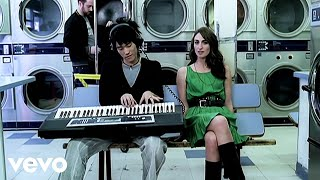 Watch Sara Bareilles Bottle It Up video