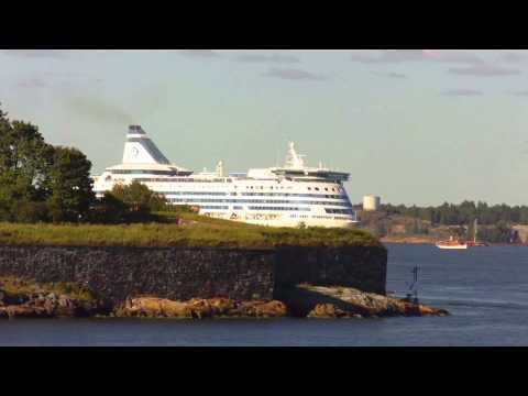 Ships passing Kustaanmiekka 15.8.2015