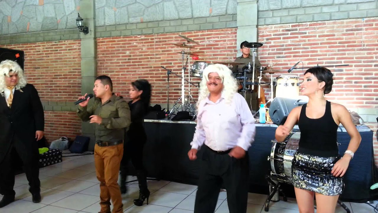 Grupo musical karisma tuxpan jalisco mexico 2014 youtube for Blanca romero grupo musical