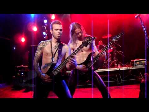 TÝR performing Rage Of The Skullgaffer live in Hamburg!
