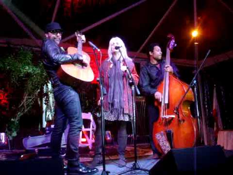 Emmylou Harris - May This Be Love