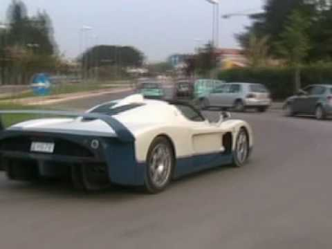 Maserati MC12 chase , plus Ferrari 360 , 599GTB and 575m