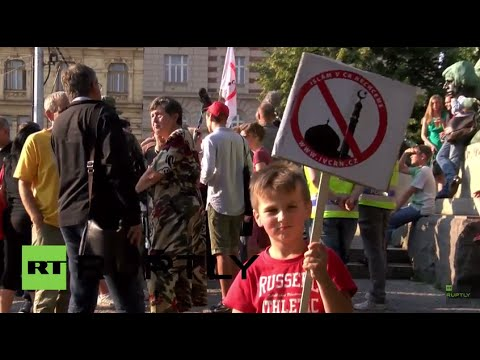 Czech Republic: Arrest made after anti-Islam demo is met by counter-protest