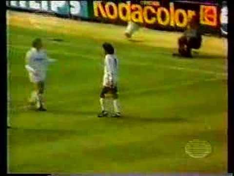 """El mejor gol de toda la carrera de Hugo Sánchez en un partido real Madrid vs Logroñes que curiosamente si lo deletrean al revés dice """"Señor Gol"""""""