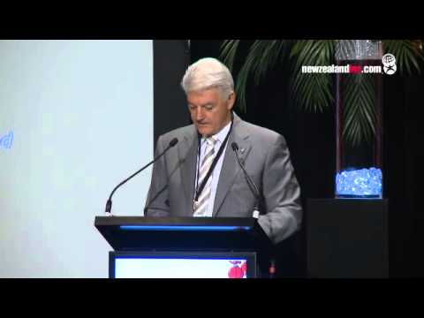 Norm Thompson addresses the China Business Summit 2012