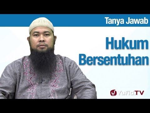 Konsultasi Syariah: Hukum Bersentuhan Suami Istri Membatalkan Wudu? - Ustadz Arif Hidayatullah