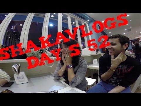 Day S 52//CINE: 8 APELLIDOS VASCOS// NUEVA COMPAÑÍA DIPLODOCUS//VLOG