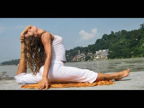 Yoga To Get In The Splits With Dashama video