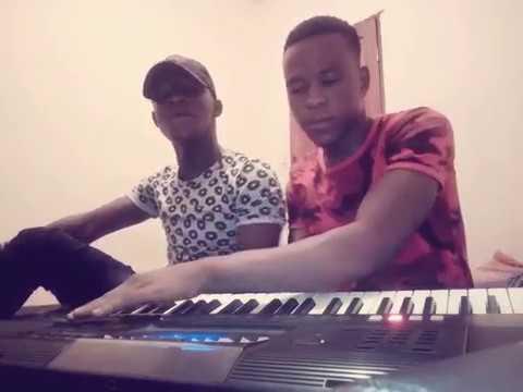 Petit Bah Djondjiké Et Thierno Boubacar En Mode De Répetition