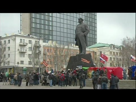 Ukraine: Donetsk divided as pro-Russia activists push for referendum