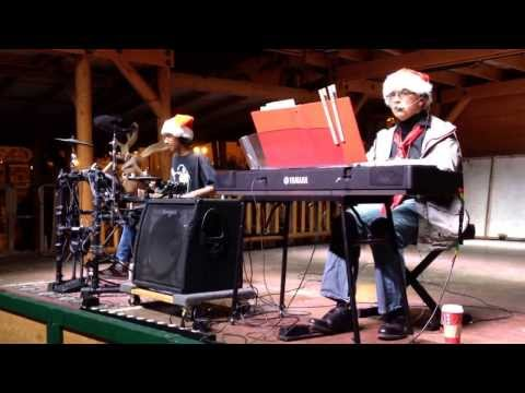 Queen Cover/Somebody to Love Bernard Smith/Andrew Wilson Christmas in the Park 2013