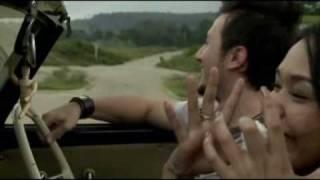 "Dewi ""Dee"" Lestari Feat.  Rizky ""Alexa"" - Peluk (Official Video)"