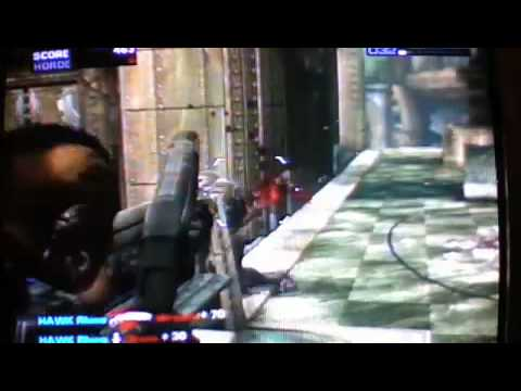 Gears Of war 2 BEST HEADSHOT EVER (at The end)