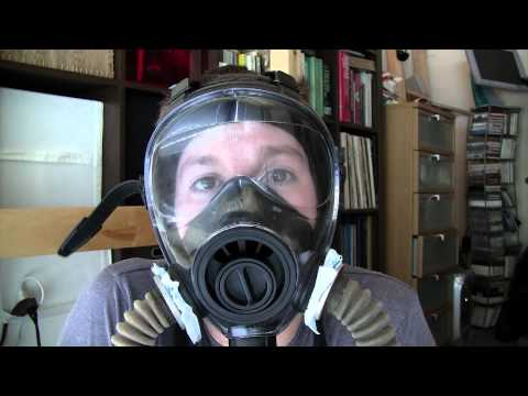 SGE 400/3 Gas Mask Review OR Confessions of an Insomniac!
