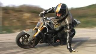 STUPID: MJ A TESTE POUR VOUS LE STUNT ET LE DRIFT ( VIDEO OFFICIELLE MOTO JOURNAL )