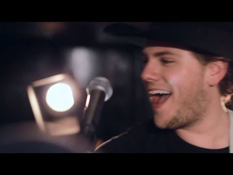 Brett Kissel - Hockey, Please Come Back (OFFICIAL VIDEO)