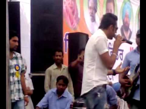 Gippy Grewal new song sarkaran live 2011