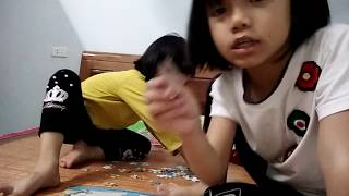 Mun kẹo chơi trò chơi ghép tranh hình lego