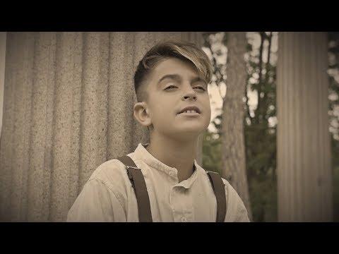 Podemos Ser Felices - Adexe & Nau (Videoclip Oficial)