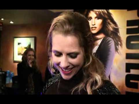 Fan Event: I Am Number Four | Alex Pettyfer, Teresa Palmer, D.J. Caruso (The Fan Carpet)
