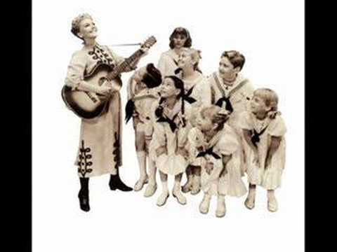 《The Sound of Music》-Mary Martin & The Children