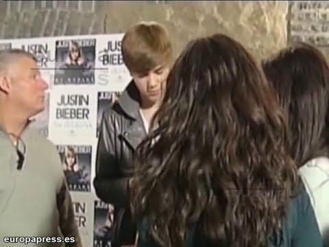 Justin Bieber elogia a Selena Gómez