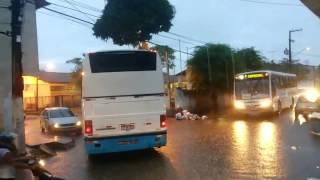 Poucos minutos de chuva deixam Loteamento alagado em Goiana
