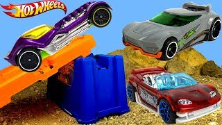 UNBOXING HOT WHEELS TRACK BUILDERS SYSTEM - CAR RACING AND STUNT FUN