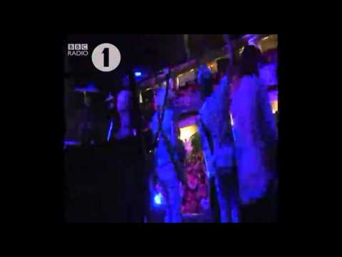 Mark Ronson and The Business Intl - The Bike Song live