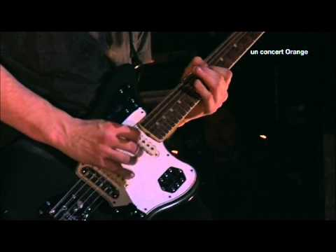 Red Hot Chili Peppers - Hard To Concentrate - Live at La Cigale 2011 [HD]