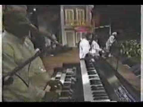 Larry Graham & The Graham Central Station Live '97 (Pt.1)
