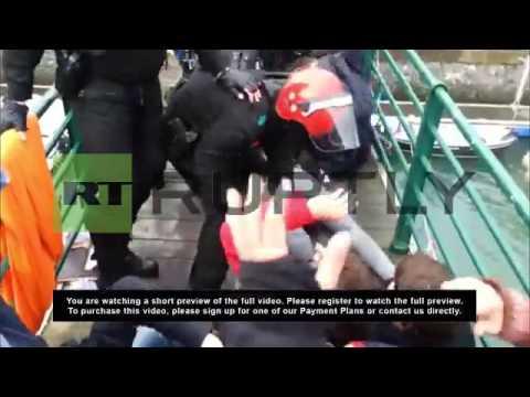 Spain: Human wall blocks police nabbing suspected ETA member