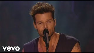 Watch Ricky Martin Tu Recuerdo video