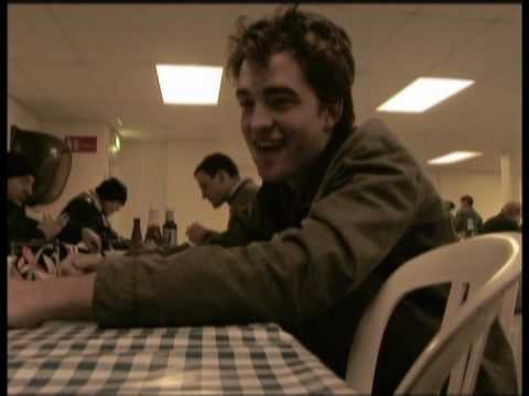 Robert Pattinson / Cedric Diggory in Harry Potter 4 DVD Extra: Meet the Champions