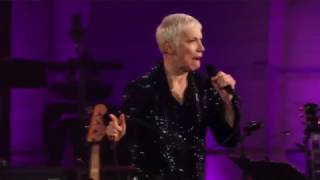 Annie Lennox I Put A Spell On You Live 2015