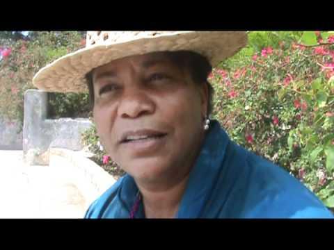 Poetas del mundo por primera vez en Cuba, del 1 al 11 de mayo la Isla se vio engalanada por la poesía y los poetas. Después de 10 días de periplo poético por la Isla, los poetas hablan...