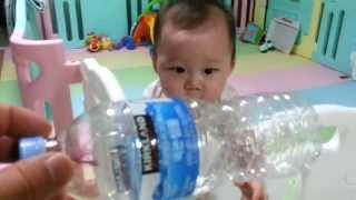 10개월 귀여운아기가 좋아하는 장난감,Cute Korean baby playing with her favourite toy