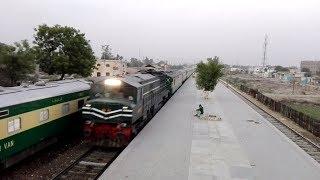 Karachi Express Arriving & Awam Express Standing At Bahawalpur Railway Station