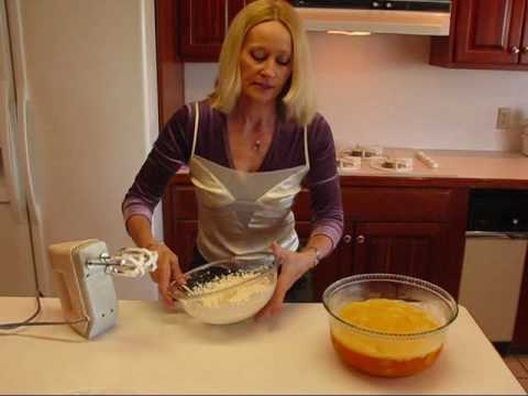 Betty's Pineapple Orange Layered Gelatin Salad Recipe