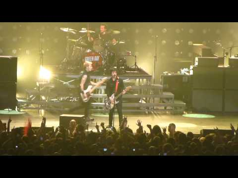 Green Day: When I Come Around / Highway To Hell - DD Center (Providence, RI) 4.9.2013