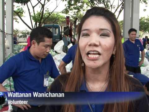 Bangkok bolsters defences as flood waters rise