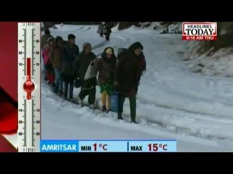 Heavy snowfall disrupts life in Himachal Pradesh