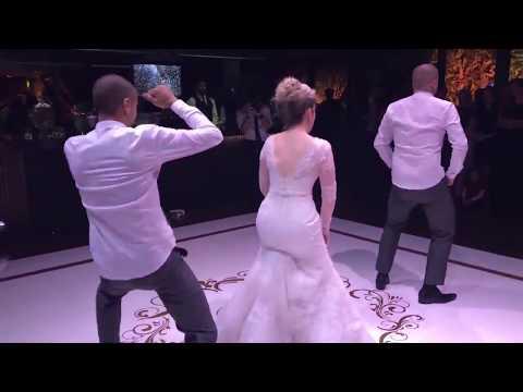 Noiva dança Paradinha da Anitta Beyoncê Rihanna Ludmila e MC Kevinho   Livia e Leonardo
