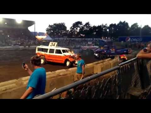 2013 Lynden Washington Truck Derby staring Rich Eldridge #104 taking 4th place