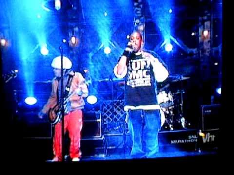 Jay-Z & Lenny Kravitz- Guns & Roses