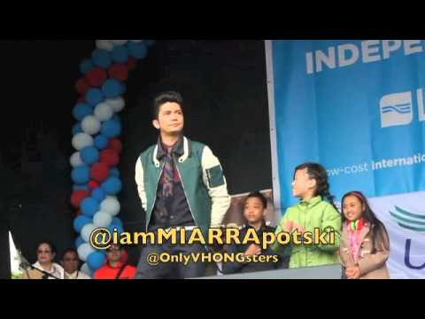 Vhong Navarro with the kids in London :)