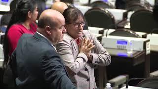 Informan a diputada mexicana del asesinato de su hija en plena sesión