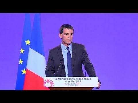 Conférence sociale: Valls annonce une baisse d'impôt pour les classes moyennes en 2015 - 08/07
