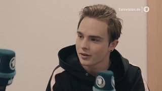 Sehr private Fragen an Mike Singer (ESC Speeddate Interview Februar 2018)